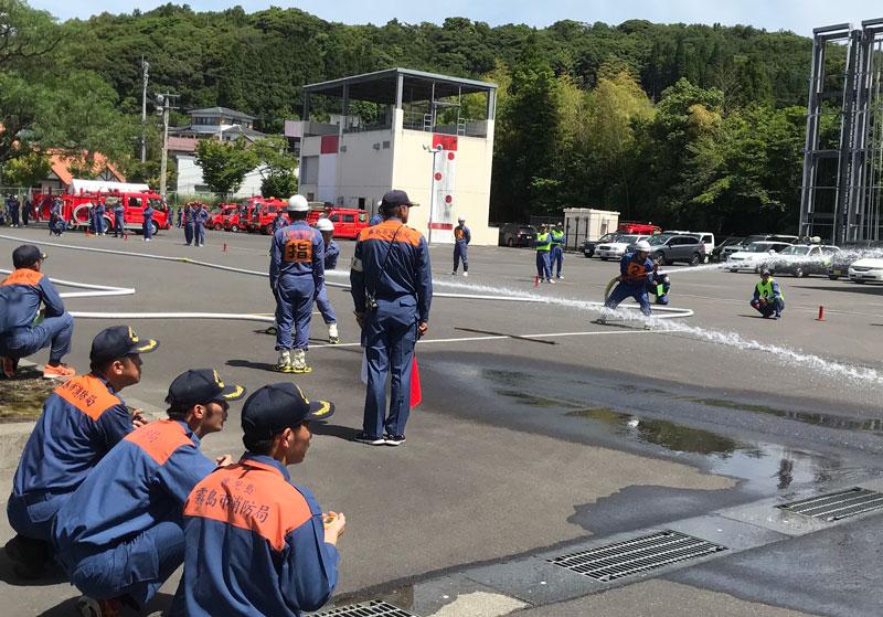 消防団の放水訓練
